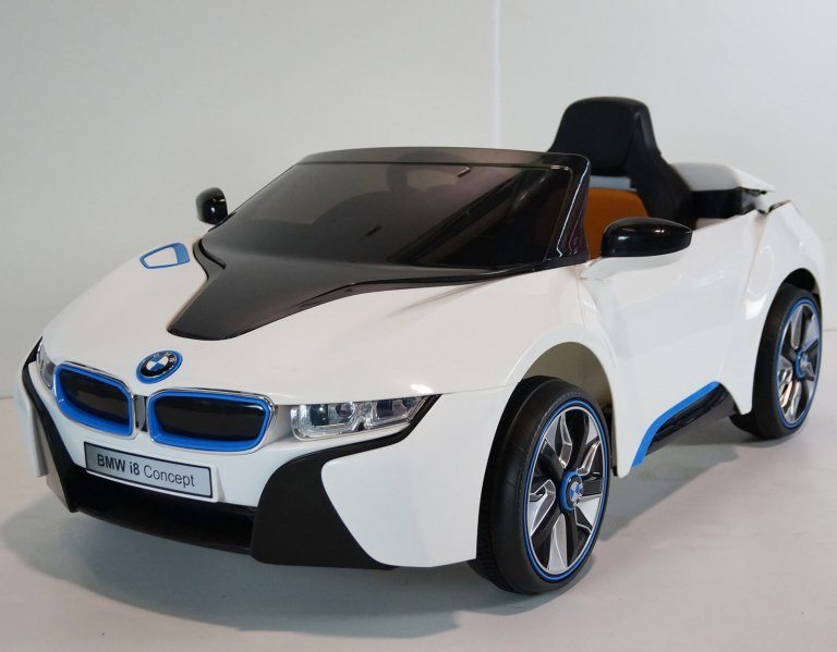 Bmw I8 White Ride On Car 6