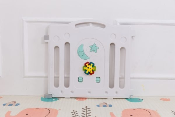 kidsvip 12panel toddlers fencecrown green 3 1
